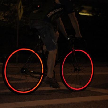 Odblaskowe paski na koło